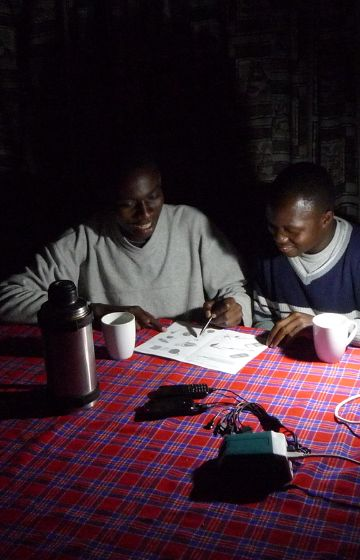 Nexans Foundation - Antenna Technologies - solar kits for Uganda and Kenya